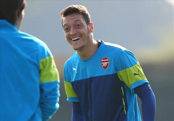 Arsene Wenger Terksesan Dengan Semangat Mesut Ozil