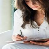 Menulis Tangan Nyatanya Lebih Baik Daripada Memakai Laptop