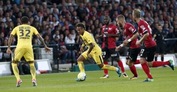PSG Berkunjung Ke Stade Du Roudourou