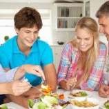 Sering Makan Bareng Keluarga Banyak Manfaatnya