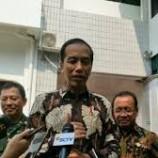 Jokowi Saling Cerita Soal SDM Saat Jenguk Habibie di RSPAD