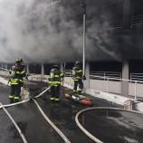 Kebakaran Terjadi di Sebuah Parkiran Mal di Brooklyn, New York
