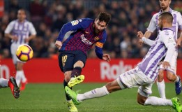 Messi Cetak Gol Di Titik Putih